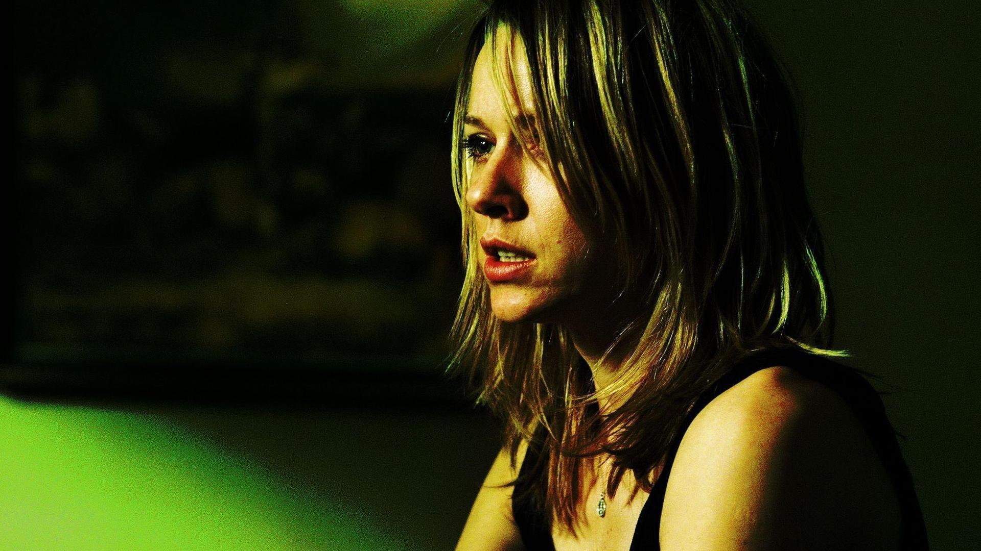 https://www.filmnod.com/media/picture/2/21-grams-2003.jpg